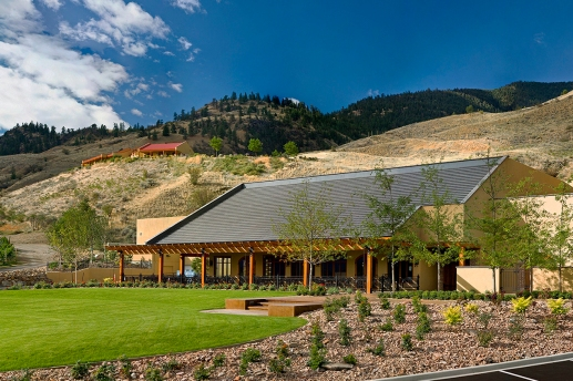 hester-creek-winery-exterior